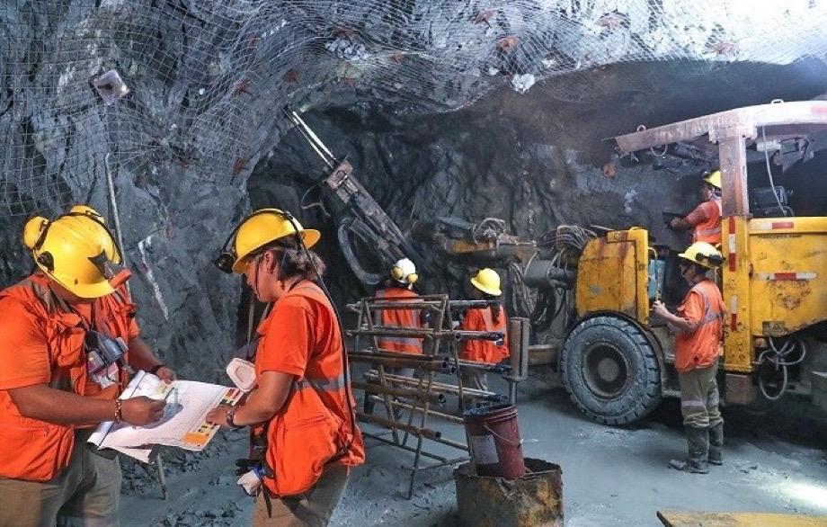 Fidel Sánchez Alayo muestra cuales son los minerales mas explotados en peru